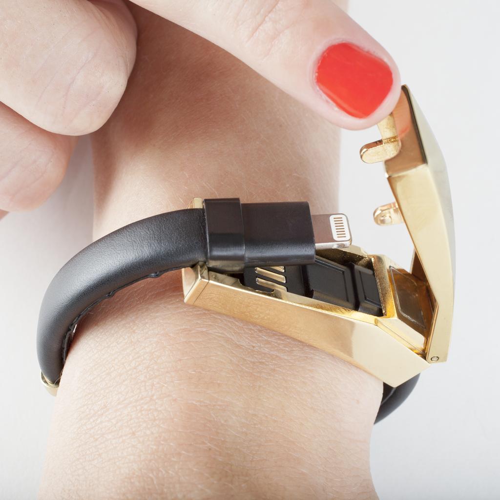 cmi_RM-Charging-Bracelet_Black-Gold_CM031988_lifestyle_6_1024x1024